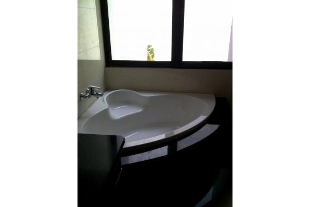 Rumah Duta Garden di Tangerang, Ada Swimming Pool 6742789