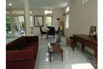 Dijual Rumah Cantik di Patal Senayan,Best Location.Jakarta Selatan,MURAH.