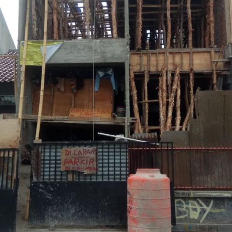 Rumah baru 3,5 lantai di Duri Kepa, Jakarta Barat