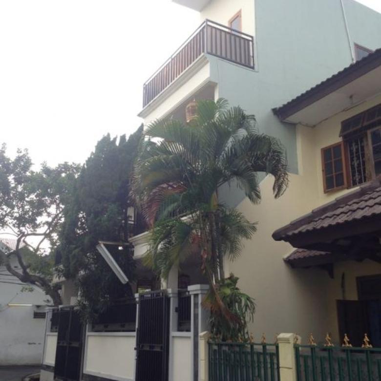 Rumah dijual di Kalibata, Hoek 3 Lt., dlm Perumahan Kalibata