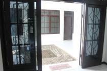 Rumah ROW JALAN 7 m di Dukuh Kupang Timur