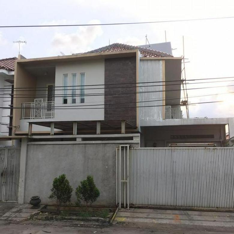Rumah di Green Ville HOEK Jakarta Barat