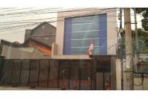 Jl. Sumatra rumah usaha dijual/sewakan lokasi tengah kota