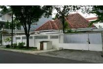 Rumah tua hitung tanah, lokasi premium.