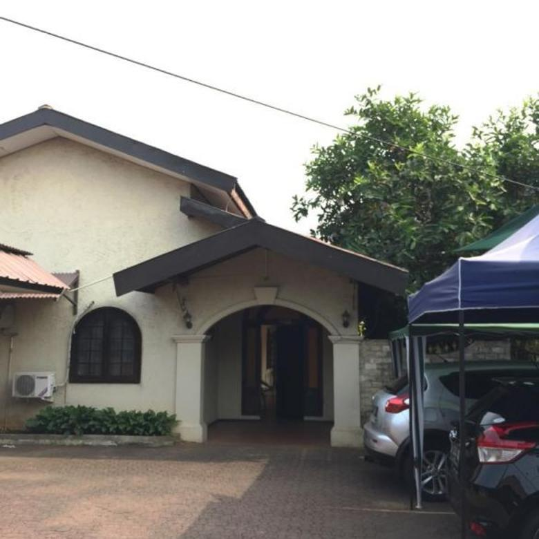 Dijual Rumah Bagus Hitung Tanah di Ampera Jakarta