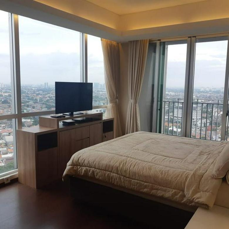 Apartemen Furnished at Kemang Village Empire 3 Bedroom