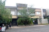 Rumah Mewah Dan Luas Di Jalan Raya Banjar Wijaya Tangerang