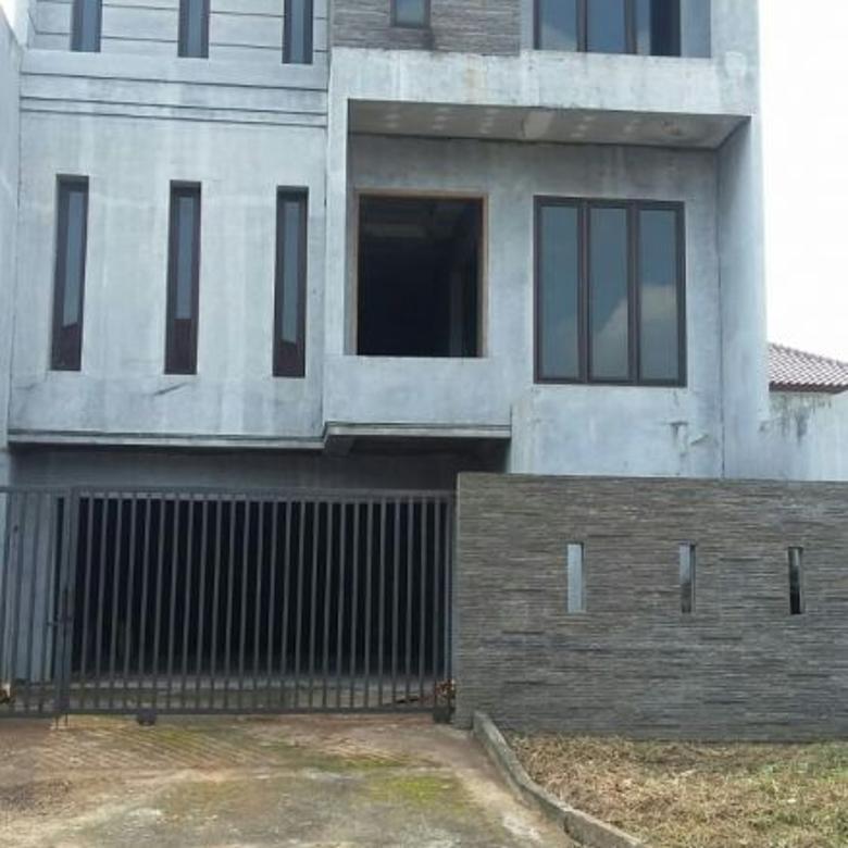 Rumah minimalis, hdp selatan, 9x22, di Tanan Villa Meruya