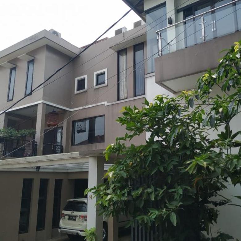 Rumah dengan kolam renang, Townhouse Bukit Hijau, dkt Bintaro