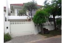 BU Dijual Cepat Rumah Mewah Furnished di Graha Family Surabaya