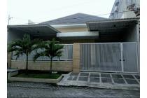 Super Murah... Rumah Terawat Siap Huni di Kutisari Indah Utara