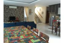 Sewa Rumah Cipete.25 jt/bln LT/LB: 220/330 m2-3 Bedroom.Fully Furnished