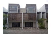 Rumah dijual dalam komplek eksklusif di Kemang