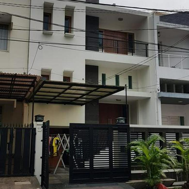 Temurah!! Turun Harga! Rumah Di Puri Indah Uk 7x20 SHM 2,5 Lantai BEBAS BANJIR