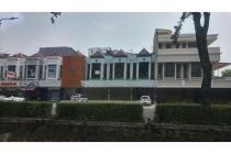 Ruko Gandeng Hadap Jalan Raya Boulevard Kelapa Gading