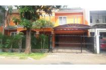 Rumah Mewah siap huni di jalan boulevard salah satu cluster BSD