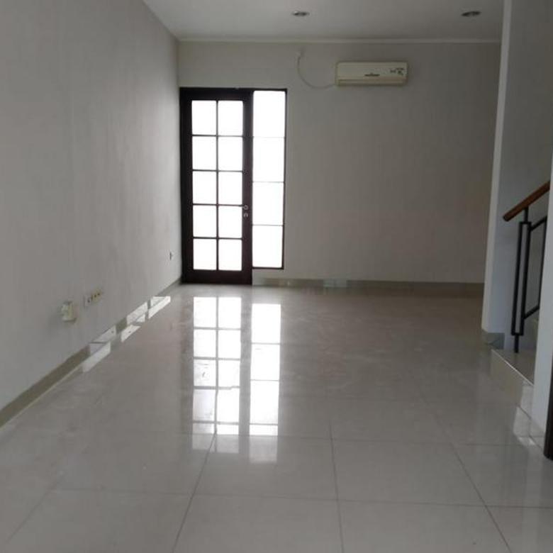 Rumah Cluster East Asia 6x15, Green Lake City, Cipondoh, Tangerang