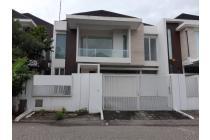 Rumah Minimalis Mewah Bukit Golf