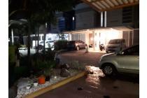 Dijual rumah 2 lantai di Jln Dr Wahidin Kebomas Gresik