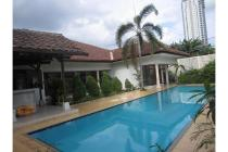 Cozy house with pool and garden @ Cipete