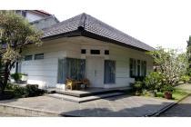 Rumah semi Villa, Hoek di Setramurni