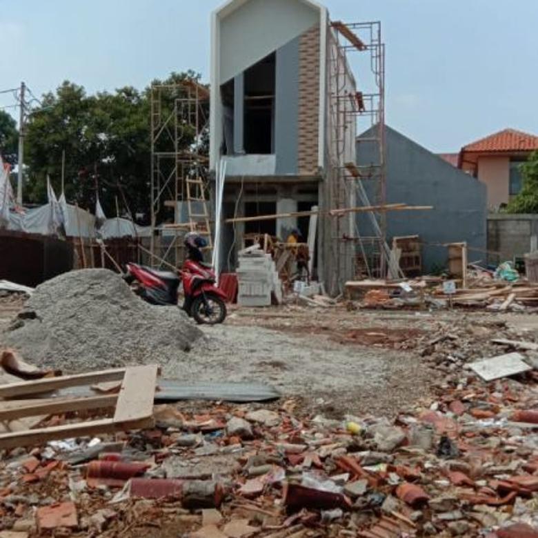 Rumah 2 Lantai dalam Cluster kalisari Jakarta Timur