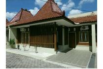 Dijual Rumah Joglo Full Furnish Jl Magelang, LT 132m2 Dekat Pasar Mlati