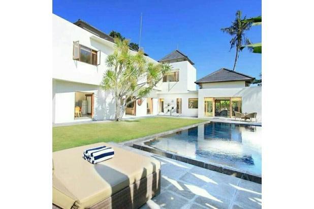 Rp18mily Vila Dijual