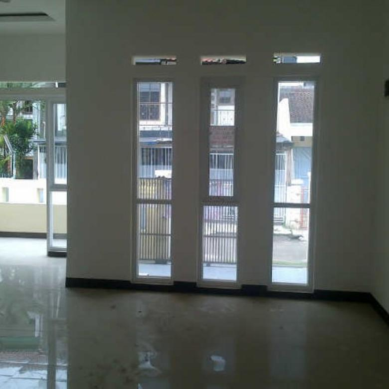 Dijual Rumah di Kopo Permai