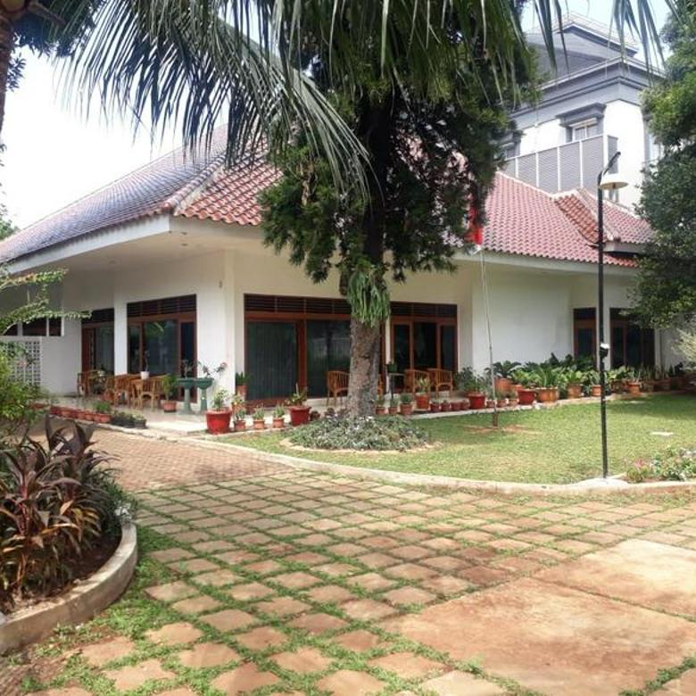 Dijua Rumah Jl. Patal Senayan Jakarta Selatan