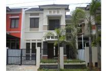 Rumah 2 lantai yang dan apik indah di Harapan Indah, Bekasi, Jawa Barat