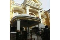 Dijual Villa Bagus Full Bangunan di Daerah Gadog Puncak