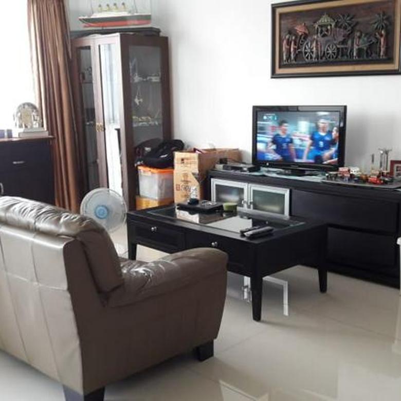 Apartemen Kemang Jaya, Harga Paling Murah Unit Corner Lantai Rendah Berasa Tinggal di Landed House, Fully Furnished dan Sangat Bagus (Siap Huni), 2 BR luas semi gross 162m2 (net 141m2)