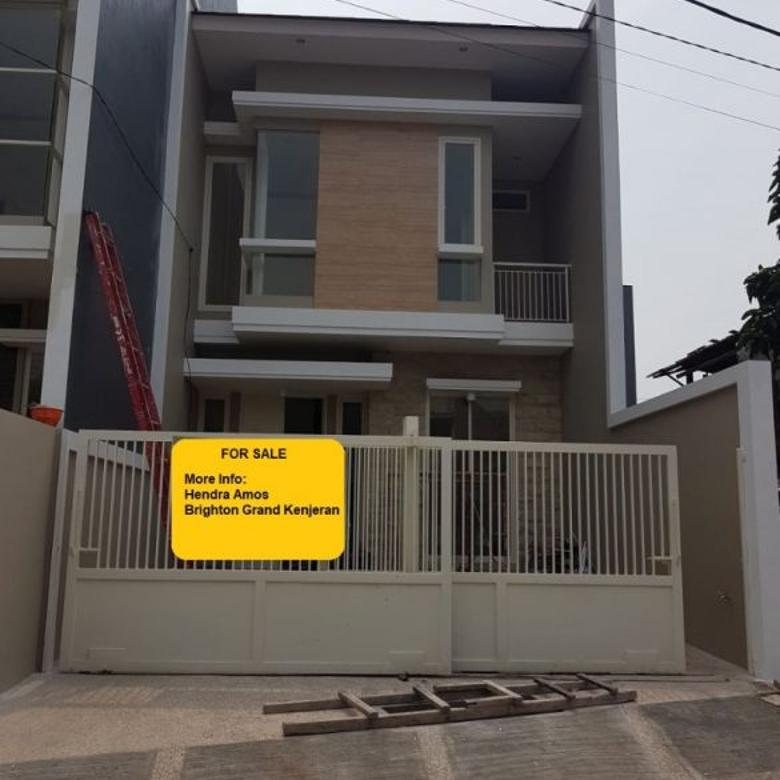 Rumah Baru Gress Minimalis Lokasi Ciamik Tengah kota,Di Manyar