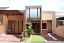 Rumah Modern Berkonsep Elegan Cluster Sindang Laya di Bandung Timur