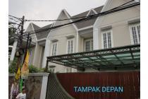 Dijual Rumah Hoek Baru Strategis di Jl Gardu Condet Jakarta