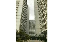 Sentul tower Apartment