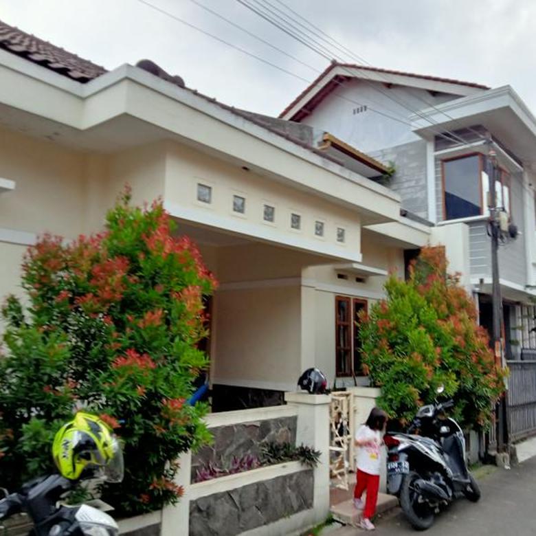 Rumah 2 lantai di jalan Logam margacinta Buahbatu Bandung