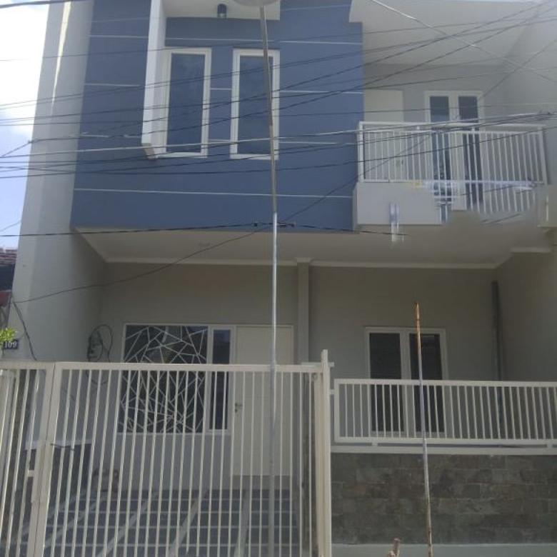 Rumah GRESS MINIMALIS 2Lantai di MULYOSARI