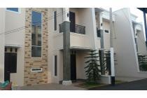 Dijual murah rumah 2.5 lantai , cluster di Jatiwaringin Pondok Gede Bekasi