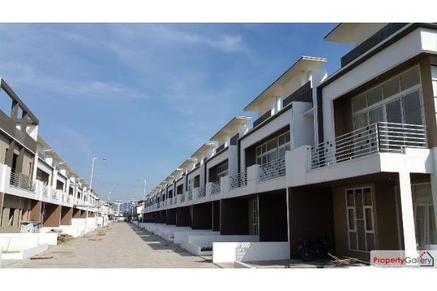 Rumah Komplek J City (Jalan Karya Wisata) Medan 15651111