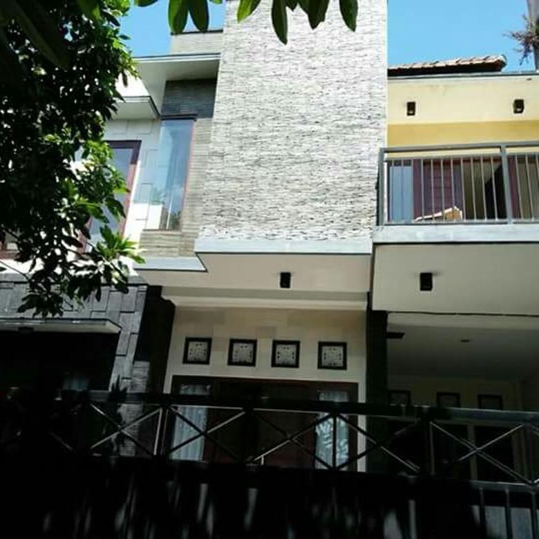 Rumah lantai 2 di kawasan pulau saelus sesetan densel