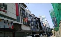 Ruko 3 Lantai Di Jalan Boulevard Barat, Area Kelapa Gading