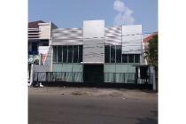 Rumah usaha di jalan kembar Nginden Intan, Surabaya