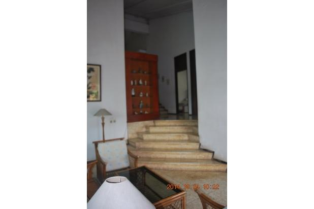 Rumah Siap Huni dengan Tanah Luas di Cinere 4427687