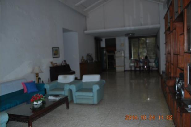Rumah Siap Huni dengan Tanah Luas di Cinere 4427698