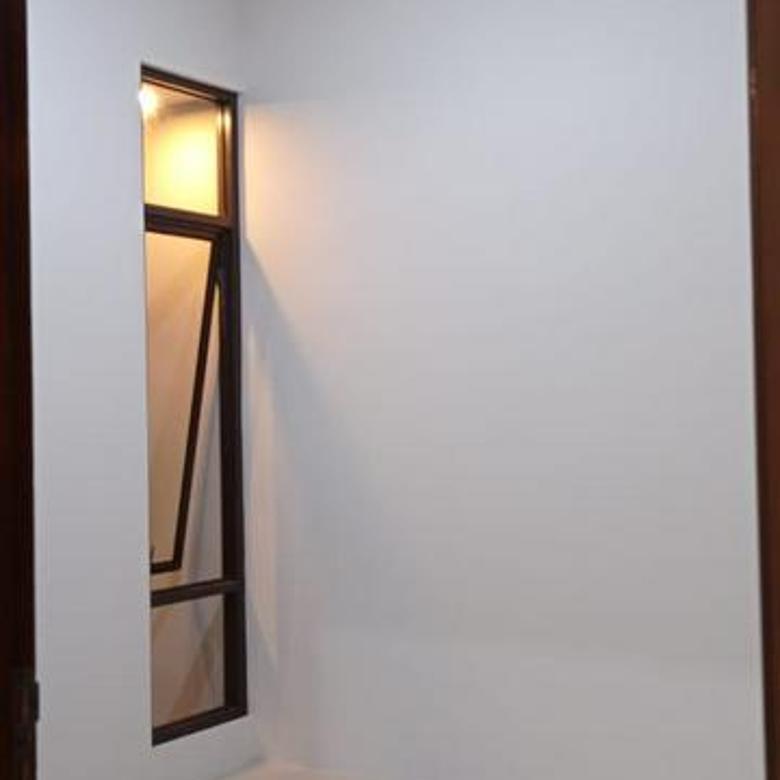 Rumah 2 lantai harga murah dekat pintu tol Sawangan