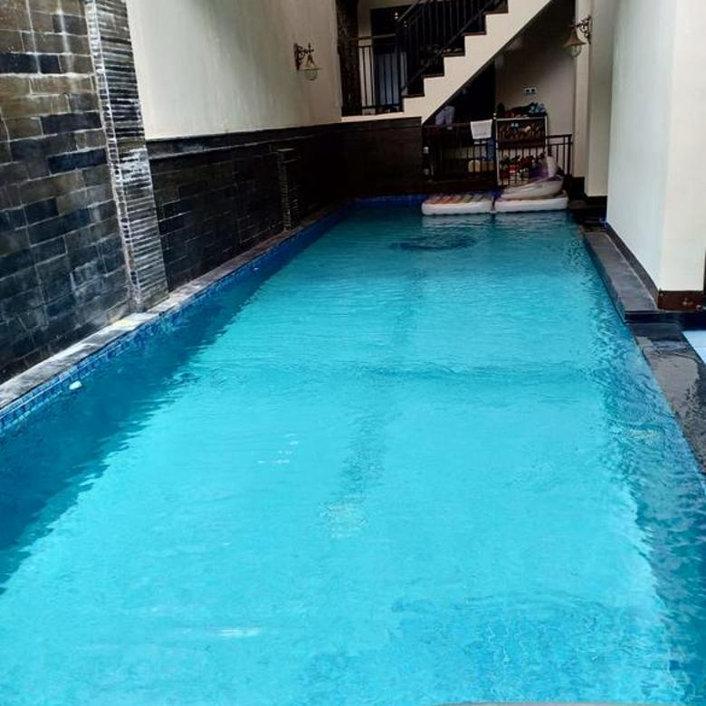 Rumah Tinggal Mewah ada Kolam Renang di Setra Murni Bandung