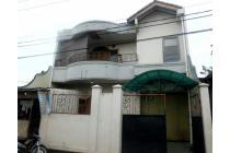 Rumah mewah strategis,cocok untuk berbisnis atau tempat tinggal.