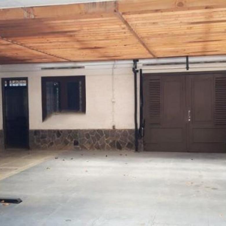 Dijual Rumah Lokasi Strategis Istimewa di Hegarmanah, Bandung